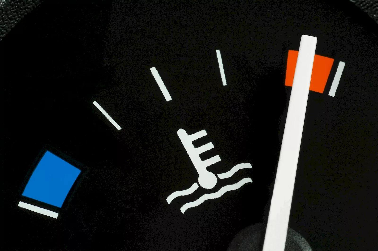 Перегрев двигателя — причины и признаки, последствия перегрева